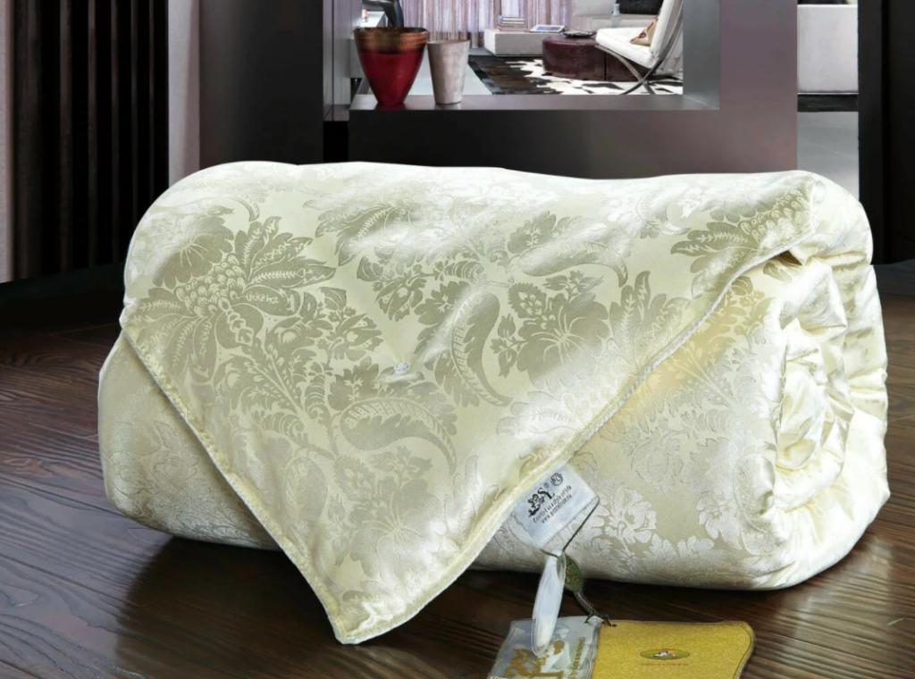 одеяло из шелка